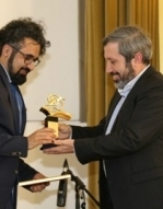 Translator of Quran Receives Germany's Rumi Award